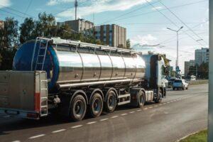перевезення наливних вантажів автоцистернами
