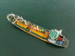 перевезення наливних вантажів морем