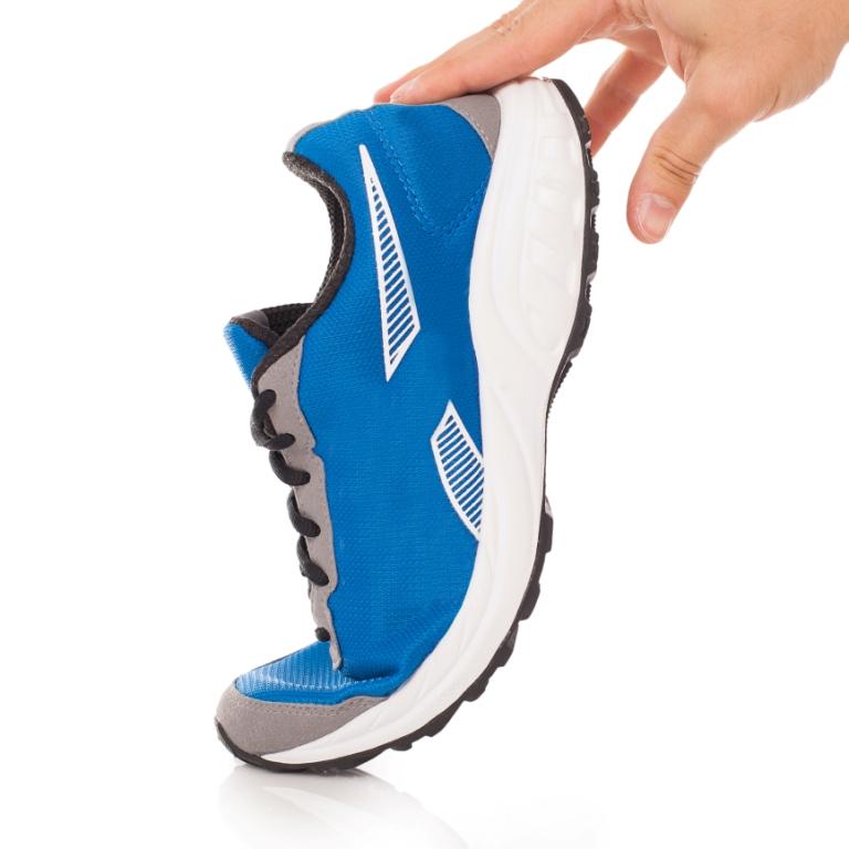 кросівки з Китаю